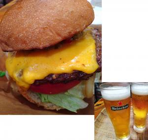 チェダーチーズバーガーとビール